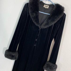 Jump Apparel vtg opera coat velvet/fur